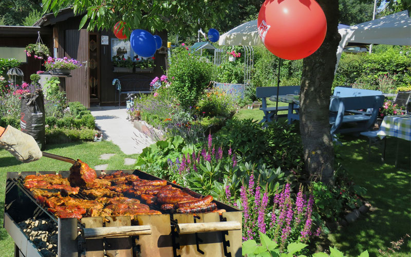 How to Throw an Eco-Friendly Barbecue Party
